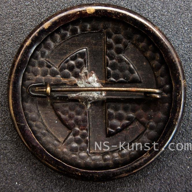 swastika-brooch-3